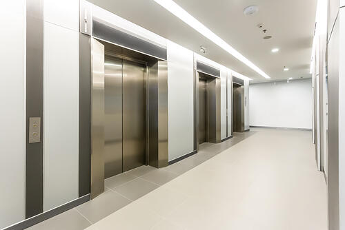 Elevator compliant with recall design