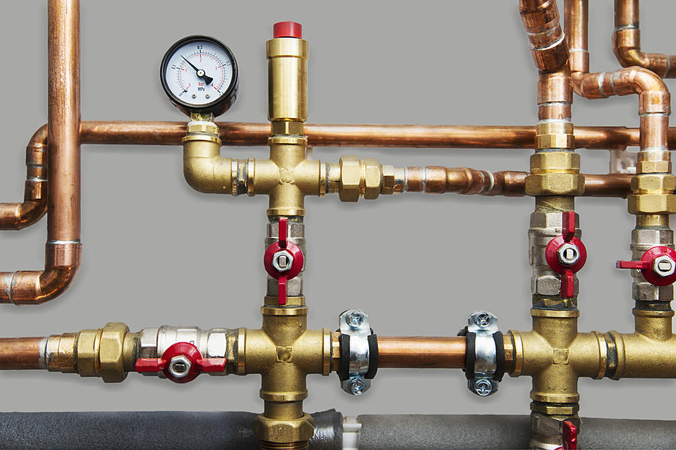 SS_Heating system's copper pipes with ball valves and manometer