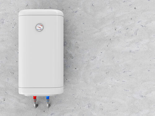 Hot water heater with tank