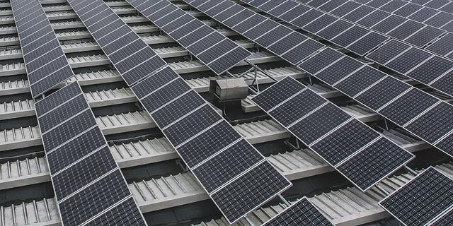 rooftopsolarpower.jpg