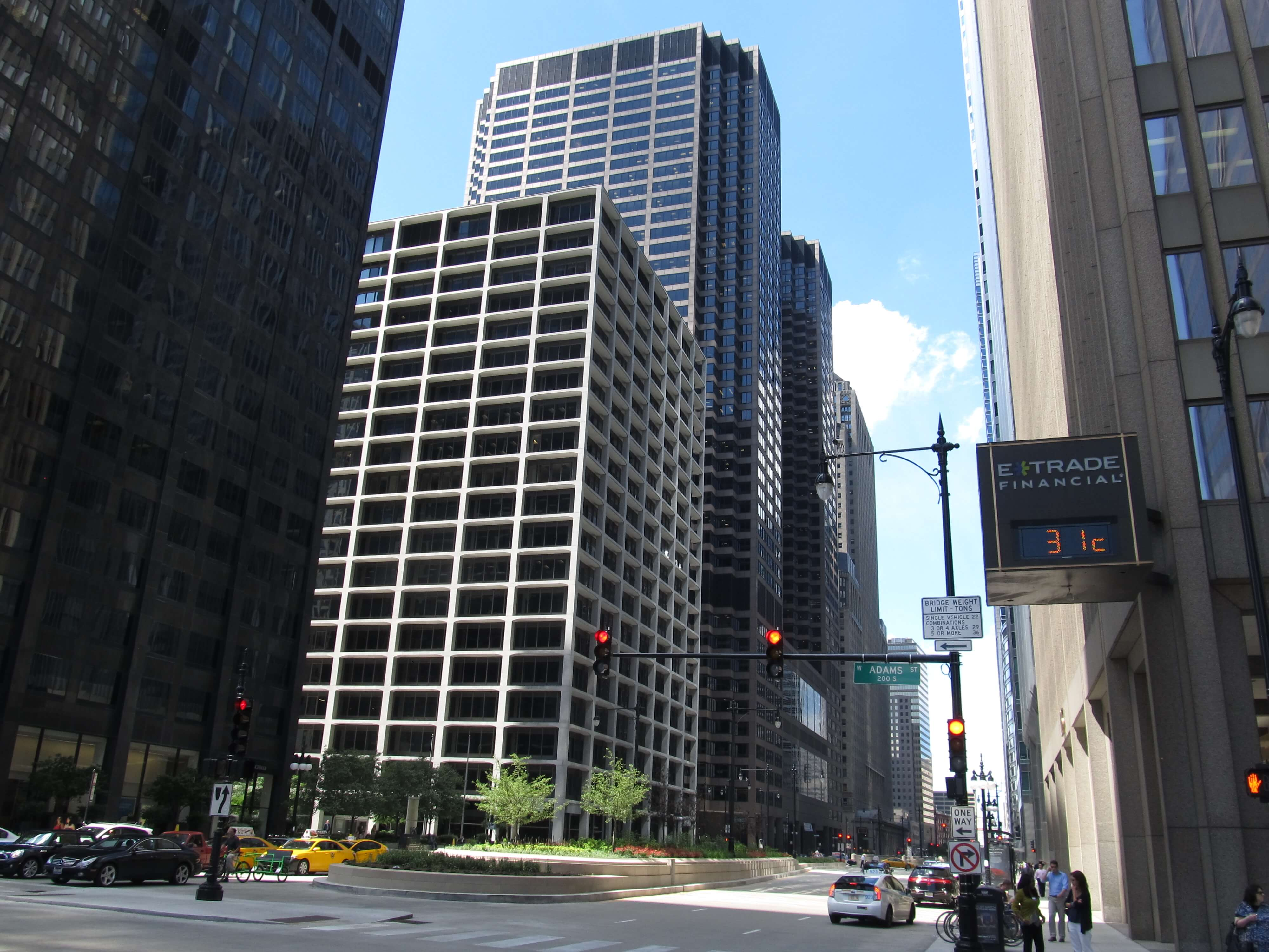 111_South_Wacker_Drive,_Chicago,_Illinois_(9181610544) - chilled beams