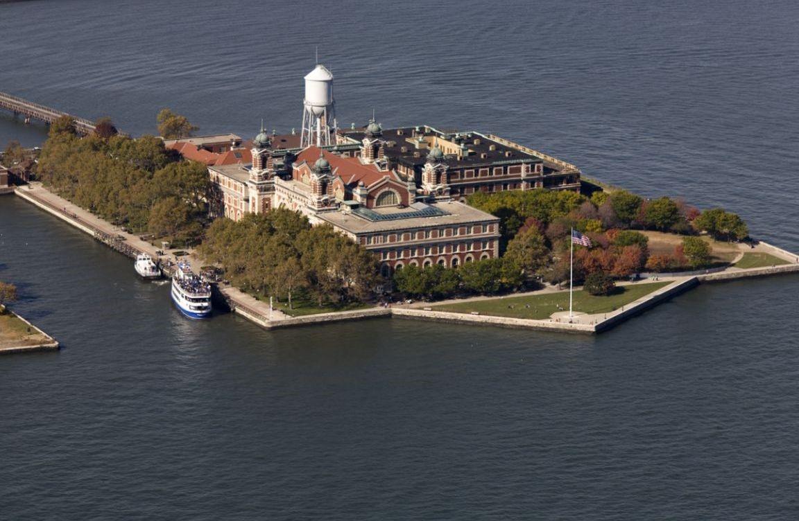 Ellis-Island-Cafe